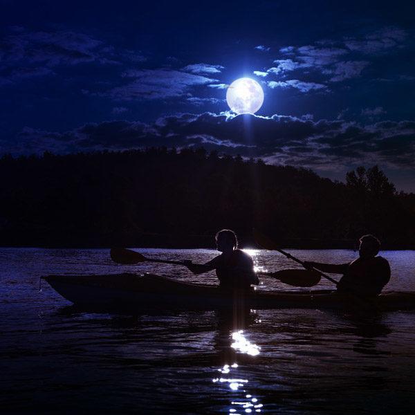 getoutandkayak-moonlight-paddles